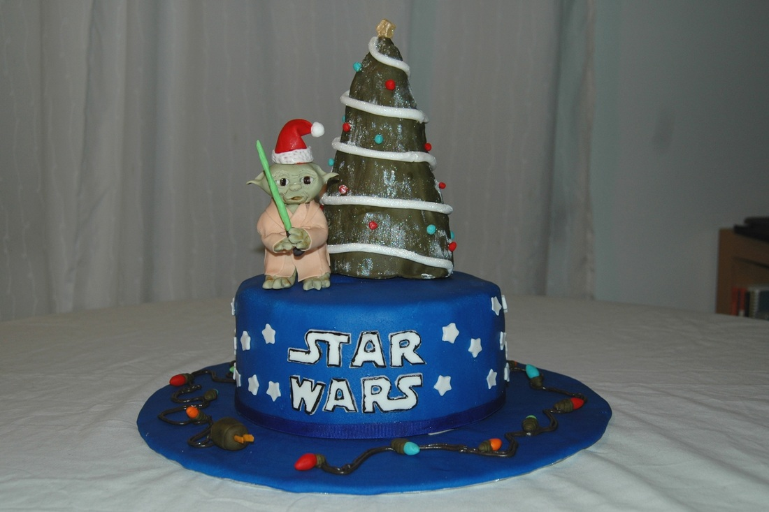 Christmas Cake Decoration With Stars : Star Wars Christmas Cake - Cloud Nine Confections